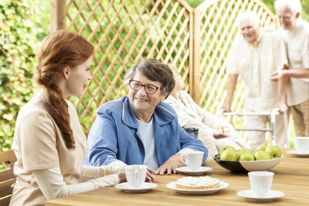 Lunch met thuiszorgmedewerker bij u thuis